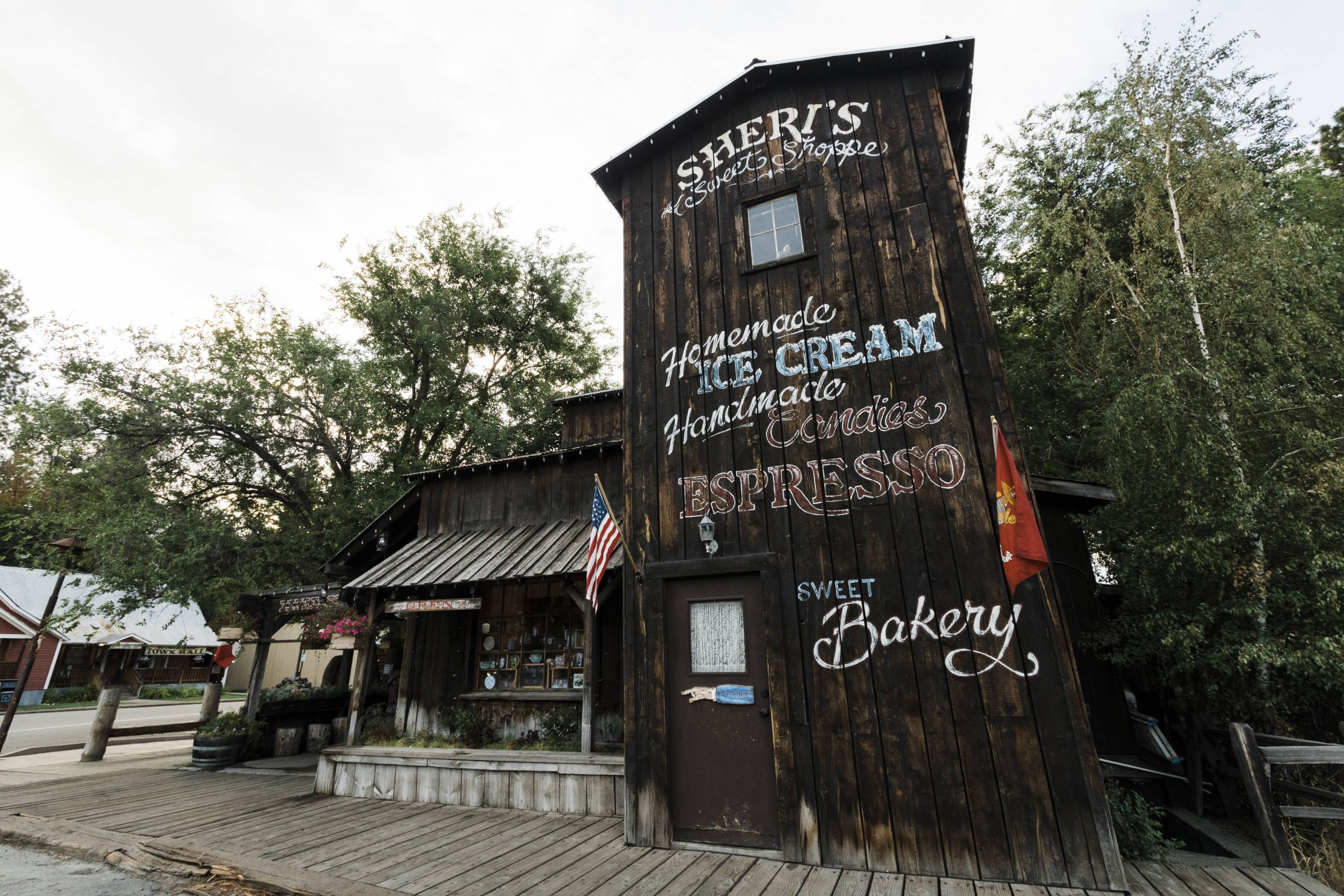 Exterior picture of Sheri's Sweet Shoppe in Winthrop, Washington